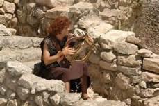Young David and harp